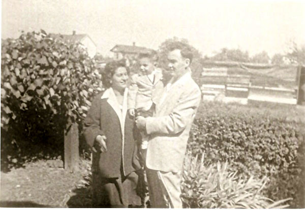 Anita, Jeffrey and Russell Wiles