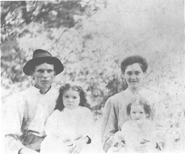 Wesley Nathan, Gay Iva, Melinda Adeline (Hartley), and Edna Grace, Wiles