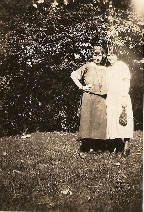 Unknown and Marie Ierovante/Camodeca