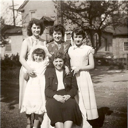 (back) Anita Wiles, Marie Common, Netta Common?, (front) Kathi and Betty Common