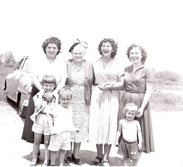 Marie Common, Gurtie Lorden, Anita Wiles, Mrs. Bruner and her kids
