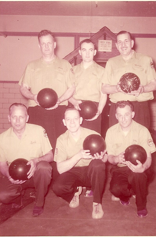 (back) Steve Akerman, Russell Wiles, Unknown (front)Earl Ring, Unknown, Unknown